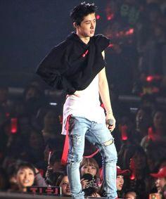 Oh, he just likes to do this Korean Bands, South Korean Boy Band, Bobby, Kim Hanbin Ikon, Winner Ikon, Ikon Debut, Double B, Kpop, Korean Celebrities