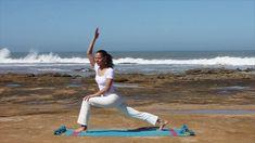 11 de Yoga para estirar, tonificar y vitalizar desde la playa de Insuan ...