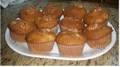plato con quequitos manzana kefir Muffin, Breakfast, Food, Dishes, Morning Coffee, Muffins, Meals, Cupcakes, Yemek