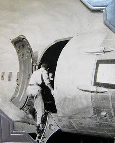World War Two, furlough, Pilot Herb Roden before take-off to Venice, Italy, 1944 or 1945 (39-02)