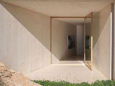 Porta de Entrada. Arquiteto: Atelier d'Architecture Bruno Erpicum & Partners.