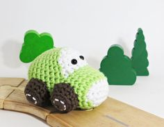Hey, I found this really awesome Etsy listing at https://www.etsy.com/listing/166070256/crochet-car-baby-rattle-toy-organic