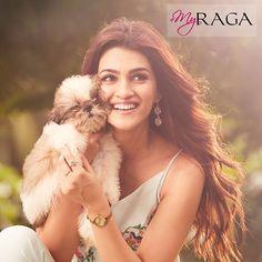 Kriti Sanon for Raga Bollywood Heroine Photo, Beautiful Bollywood Actress, Most Beautiful Indian Actress, Beautiful Actresses, Bollywood Girls, Indian Bollywood, Bollywood Stars, Bollywood Fashion, Indian Celebrities