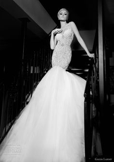 Beautiful dress #pintowin #napoleonperdis #cinderella