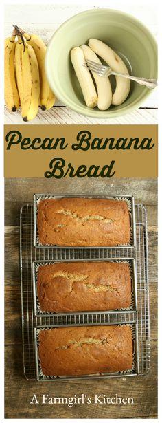 Pecan Banana Bread #recipe #homemade #fromscratch http://afarmgirlskitchen.com/pecan-banana-bread/