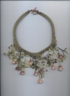 just beautiful!!! ... Beaded Flowers.This is a design by Margo Field.
