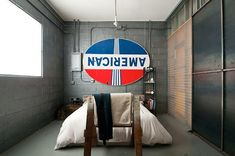 Open-and-Industrial-Garage-Home-7
