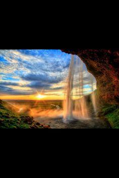 The Seljalandfoss water fall - Iceland Wonderful Places
