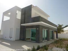 4 bedroom villa with pool in Alcantarilha, Silves, Algarve,  Portugal - 4 bedroom villa of modern arquitecture with high quality construction and finishes. It has a private swimming pool and garden.  - http://www.portugalbestproperties.com/component/option,com_iproperty/Itemid,8/id,1117/view,property/