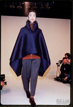 Fashion show Romeo Gigli Balenciaga Dress, Romeo Gigli, Mcqueen, Ready To Wear, Fashion Show, Trousers, Women Wear, Normcore, Coat