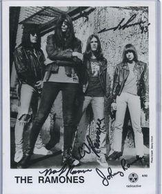 "The Ramones Hand Signed 8x10"" Promotional Photo Mark Johnny CJ Joey Punk Rock"