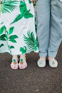 Beach wedding shoes for bridesmaids + groomsmen - pineapple shoes {Mira Mira Events}