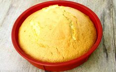 [Recettes du mercredi 👨👩👧👦] Marre du traditionnel gâteau au yaourt ? On a ce qu'il vous faut ! 😉 #Gâteau #recettesgâteaux #goûter #gâteauauyaourt Mets, Fodmap, Cornbread, Dairy, Gluten Free, Cheese, Vegan, Cake, Ethnic Recipes