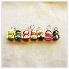 This posting includes 1 (one) Big Bang Theory Stitch Marker Set.Includes Penny, Sheldon, Leonard, Raj, Howard, Amy and BernadetteAvailable in CROCHET and KNIT versions.The crochet pins are now made in SILVER tone. The charm is made of polymer clay, hand painted then glazed.Since all stitch markers are handmade they may have a variation in appearance, however we do strive to have all the markers look as close to the photos posted.Postage includes insurance