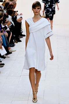 Chloé Spring 2013 RTW - Review - Fashion Week - Runway, Fashion Shows and Collections - Vogue - Vogue