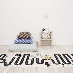Det lækre gulvtæppe til leg med biler | BabyBusiness.dk