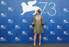 Bloemenjurkjes doen het helemaal op het Filmfestival van Venetië