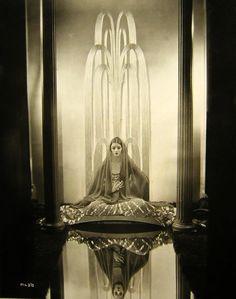 sisterwolf:    Portrait of Myrna Loy in The Desert Song, 1929