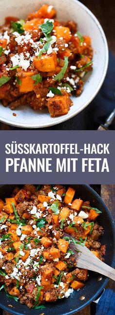 Herzhafte Süßkartoffel-Hackfleisch-Pfanne mit Feta. Dieses 10-Zutaten Rezept ist einfach und so lecker. - Kochkarussell.com #süsskartoffel #hackfleisch #schnellundeinfach