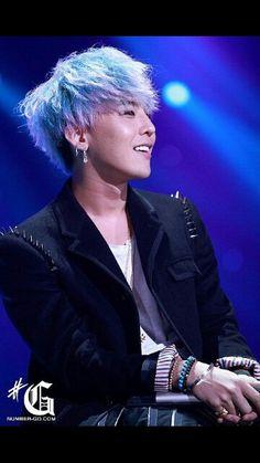 That smile ^-^ aaaah!! <3