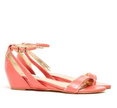Pretty colour for pretty sandals