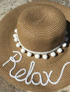 Spring Break Must Have: Relax hat