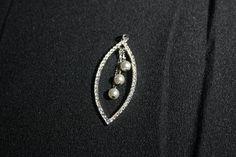 Vintage Rhinestone & 3 Faux Pearls Pendant Bride Bridesmaid wedding necklace… Vintage Rhinestone, Pearl Pendant, Bridesmaid, Brooch, Pearls, Cabinet, Trending Outfits, Antiques, Unique Jewelry