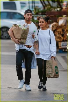 Ariana Grande Holds Hands with Boyfriend Ricky Alvarez at Whole Foods: Photo #943521. Ariana Grande wraps her arm and her boyfriend Ricky Alvarez's arm while leaving a Whole Foods store on Thursday afternoon (March 17) in Studio City, Calif.    The…