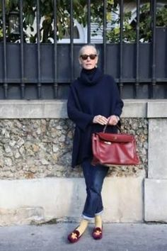 If you are new here, welcome to Ageless Style-Linda V Wright. Each month Elizabeth (the Vintage Contessa) and I interview someone over 50 we feel has great style. Mature Fashion, Over 50 Womens Fashion, 50 Fashion, Fashion Over 40, Autumn Fashion, Fashion Outfits, Fashion Trends, Fashion Editor, Ladies Fashion