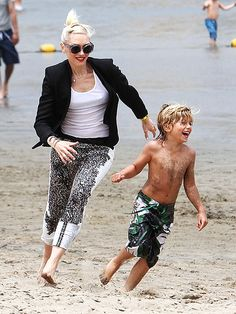 GWEN STEFANI   photo | Gwen Stefani    We love Gwen's Rock Mum style!    www.mumsgrapevine.com.au