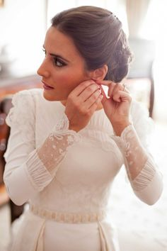 marta-josemaria3 Más Modest Wedding Gowns, Bridal Dresses, Gorgeous Wedding Dress, Beautiful Dresses, Wedding Bride, Dream Wedding, Perfect Bride, Bridal Looks, Wedding Styles