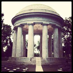 A #DC Wedding at the DC War Memorial #BudgetFriendlyWeddings