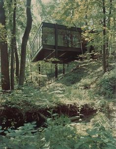 If I would have won the Mega Millions yesterday my first purchase would be this house. Reported by Paste Magazine, the home from Ferris Bueller's Day Off is up for sale. Built in 1953, The Ben Rose...