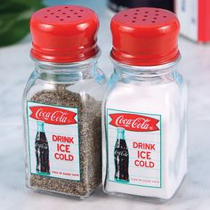 Retro Coco-cola Coke Sign AD Logo Glass Salt and Pepper Shaker Kitchen Set for sale online Coca Cola Life, Coca Cola Drink, Coca Cola Ad, Always Coca Cola, Pepsi, Vintage Coke, Vintage Diner, Vintage Signs, Jars
