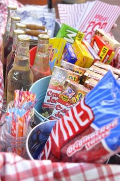 Put on a neighborhood movie night! Be sure to have a treat wagon and plenty to snack on. Backyard Movie Party, Outdoor Movie Party, Backyard Movie Nights, Outdoor Movie Nights, Movie Night Snacks, Movie Night Party, Family Movie Night, Party Time, Party Party