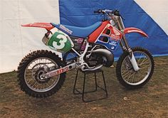 https://flic.kr/p/e2zXMn   1991 Honda CR250   Rob Herring, Honda CR250, 1st Round, 1991 British Motocross Championship, Canada Heights, Swanley, England.