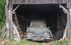 Citroen Ami 6 barn find; even still has the crank mounted to start the engine