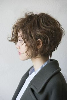 Short Hair Model, Short Wavy Hair, Girl Short Hair, Thin Hair, Wavy Bangs, Curly Bob, Long Pixie, Wavy Bob Hairstyles, Cute Hairstyles For Short Hair