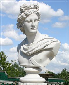 The David Sharp Studio, Masterpieces in Classical Garden Statuary, Garden Fountains and Pool Surrounds. Stone, Bronze and Marble Ancient Greek Sculpture, Greek Statues, Angel Statues, Sculpture Art, Sculptures, Sculpture Portrait, Apollo Statue, Marble Bust, Aesthetic Eyes