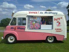 Another cute ice cream truck! Ice Cream Car, Milk Ice Cream, Van Signage, Starting A Food Truck, Rainbow Ice Cream, Pillos, British Seaside, Ice Ice Baby, Commercial Vehicle