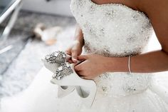 Save Money Wedding tips. Brides dream of finding the ideal wedding, but for this they require the perfect wedding dress, with the bridesmaid's outfits complimenting the wedding brides dress. These are a variety of suggestions on wedding dresses. Wedding Ceremony Ideas, Wedding Advice, Budget Wedding, Wedding Planning, Reception, Wedding Entrance, Chapel Wedding, Wedding Backdrops, Wedding Favours