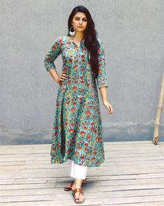 New fashion dresses casual hijab 64 ideas Kurta Designs Women, Kurti Neck Designs, Salwar Designs, Kurti Designs Party Wear, Blouse Designs, Pakistani Fashion Casual, Indian Fashion, Indian Attire, Indian Outfits