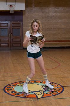 """atsuperfluously: """" And here is a photo of Brie Larson reading while rollerskating. """""""