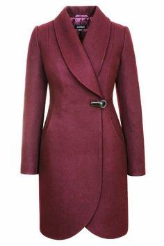 Nipped at the waistline Coats For Women, Jackets For Women, Clothes For Women, Hijab Fashion, Fashion Dresses, Iranian Women Fashion, Stylish Coat, Coat Dress, Winter Wear