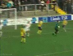 Cuando este futbolista anotó el gol más furtivo que haya existido:   Las 26 cosas más astutas que alguna vez han sucedido