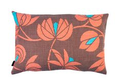 Beautiful pattern! Will have to remember it when decorating a house one day. Volubilis corail cushion.
