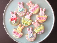 Everybody's Posting Woman Excite | Easter Rabbit cookie icing
