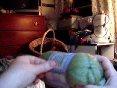 Do you like to knit starting from the inside of a ball of yarn? This quick 1 minute video shows you how to easily find the beginning of a center-pull skein of yarn.