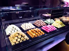 Macaroons, Maison Georges Larnicol, Montmartre
