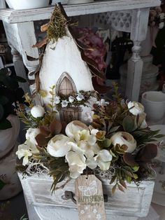 Centerpieces, Table Decorations, How To Purl Knit, Paper Flowers, Floral Arrangements, Garland, Floral Wreath, Easter, Wreaths